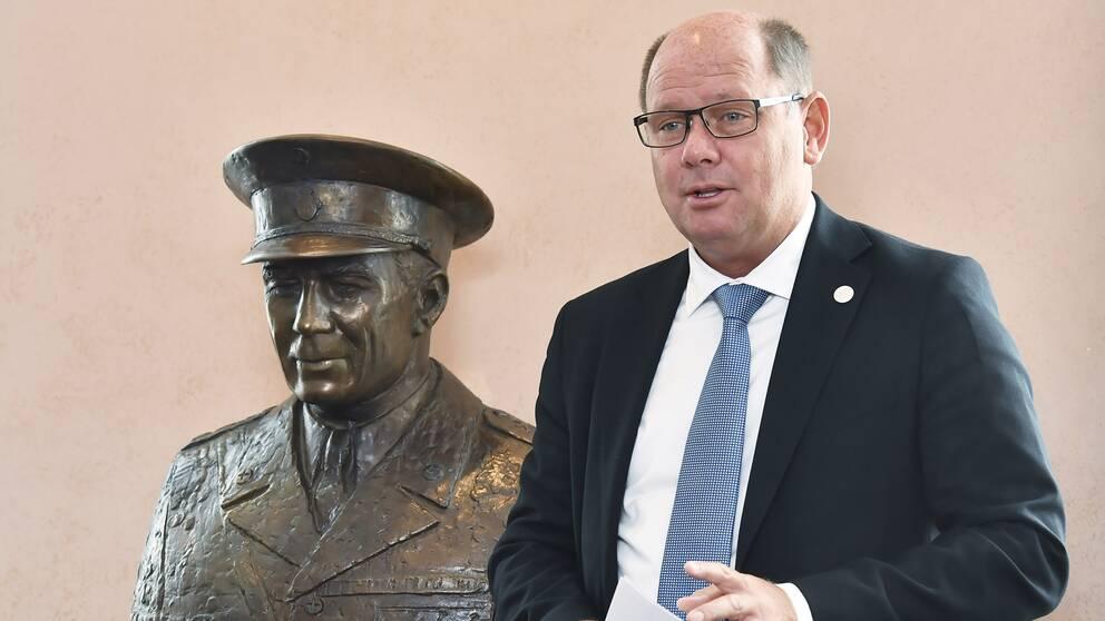 Här är riksdagens nuvarande talman Urban Ahlin.