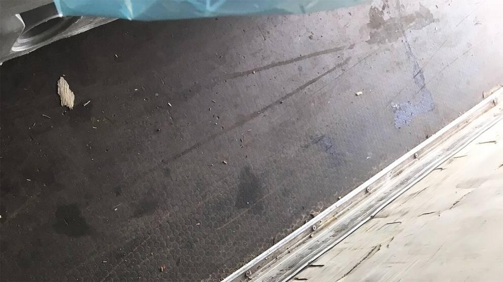 Klistrigt golv