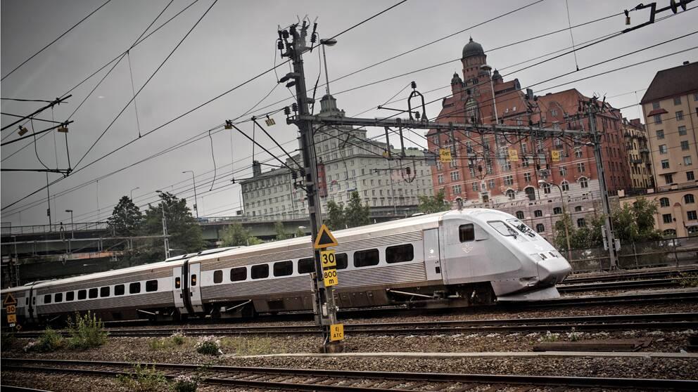 Med Götalandsbanan, en ny höghastighetsjärnväg via Borås och Jönköping skulle resan mellan Stockholm och Göteborg klaras av på två timmar.