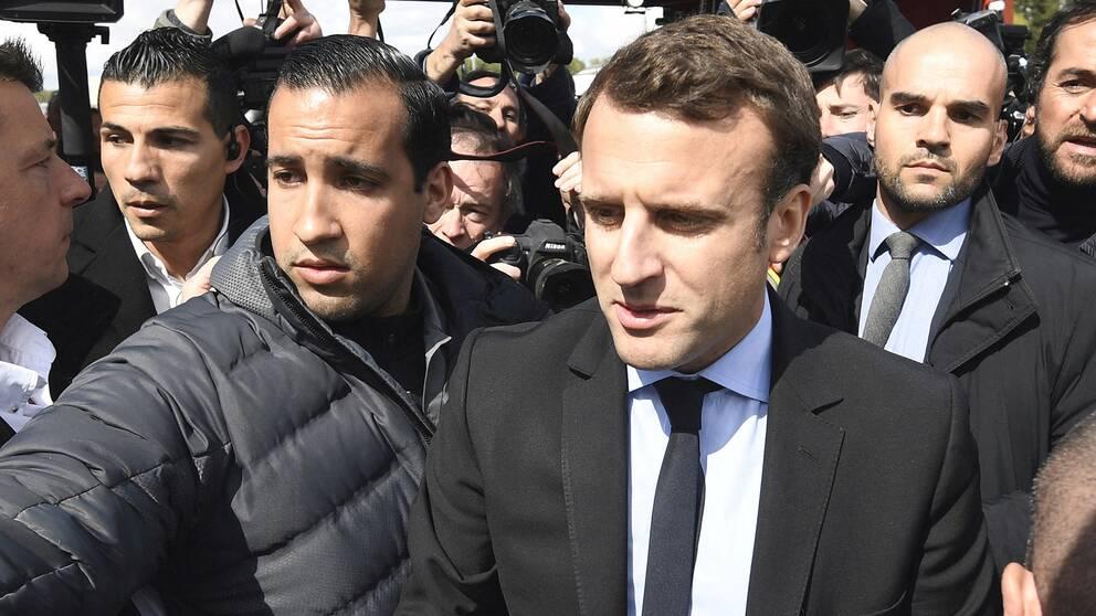 Frankrikes president Emmanuel Macron och hans livvakt, Alexandre Benalla.