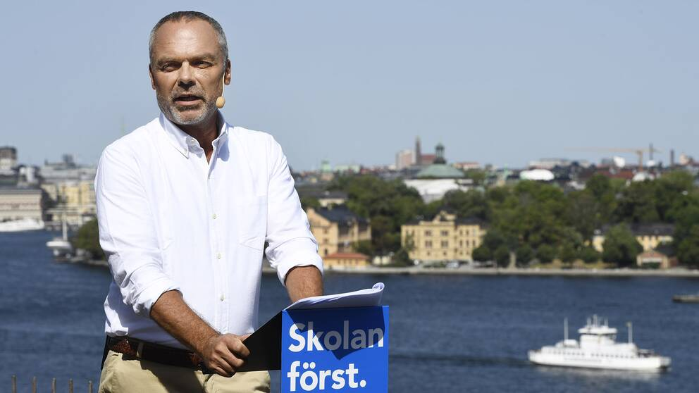 Liberalernas partiledare Jan Björklund (L) sommartalar på Ersta terassen i Stockholm.