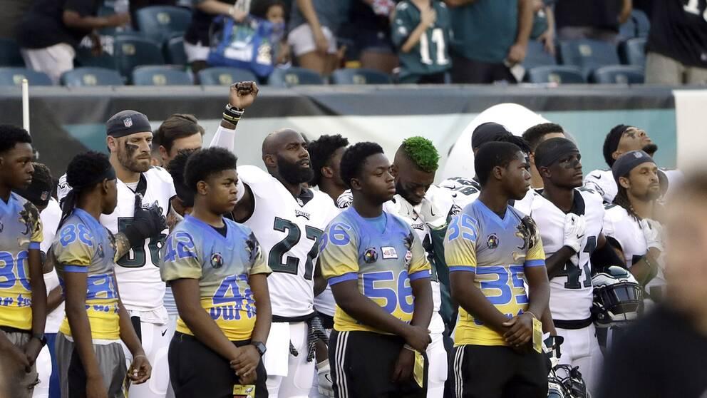 Malcolm Jenkins, som är engagerad i frågor kring sociala orättvisor i USA, var en av spelarna som protesterade i natt.