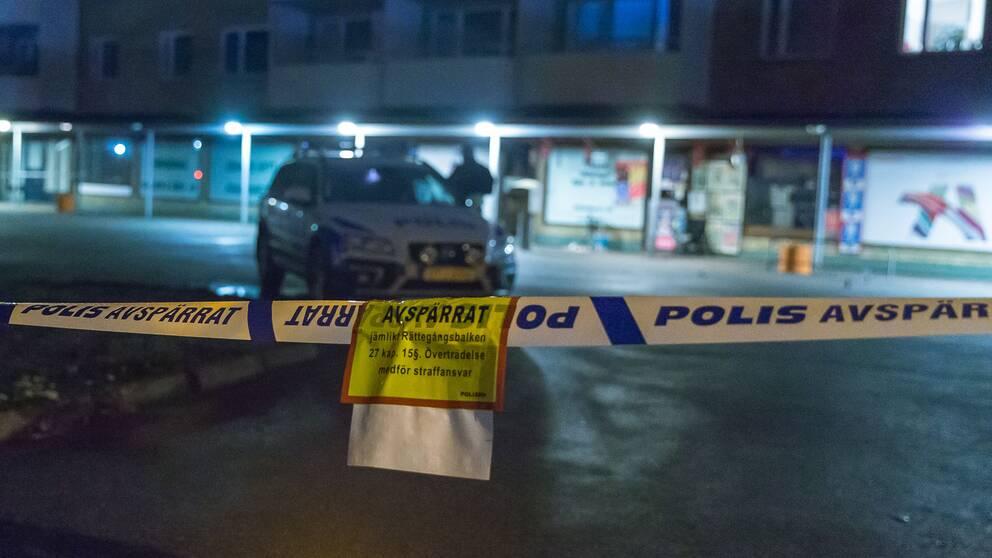 Polisavspärrningar efter ett knivbråk i Olofström.