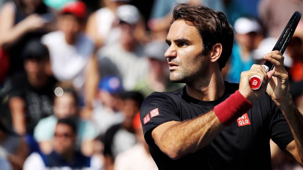 Federer enkelt vidare