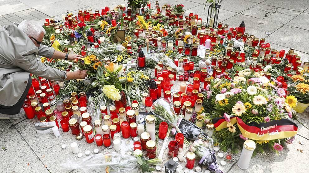 Den 35-årige man som föll offer för knivvåld i Chemnitz hade tysk-kubansk bakgrund. Polisen ger en ny version av händelsen som utlöste våldsamma kravaller nyligen.