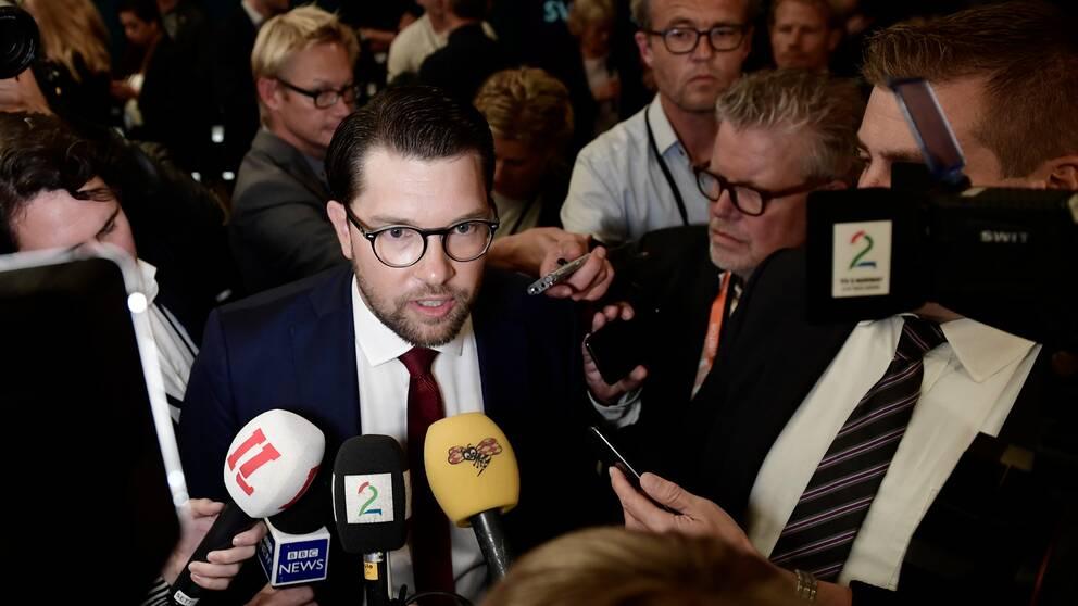 """""""Det är en skandal"""", säger Jimmie Åkesson (SD) om att SVT tar avstånd till hans uttalande under slutdebatten."""