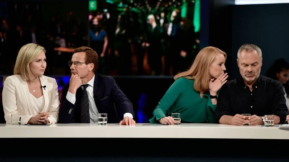 Alliansens partiledare på SVT:s valvaka. Från vänster Ebba Busch Thor (KD), Ulf Kristersson (M), Annie Lööf (C) och Jan Björklund (L).