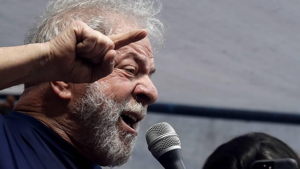 Brasiliens före detta president Lula da Silva annonserar nu att han inte längre tänker ställa upp som presidentkandidat