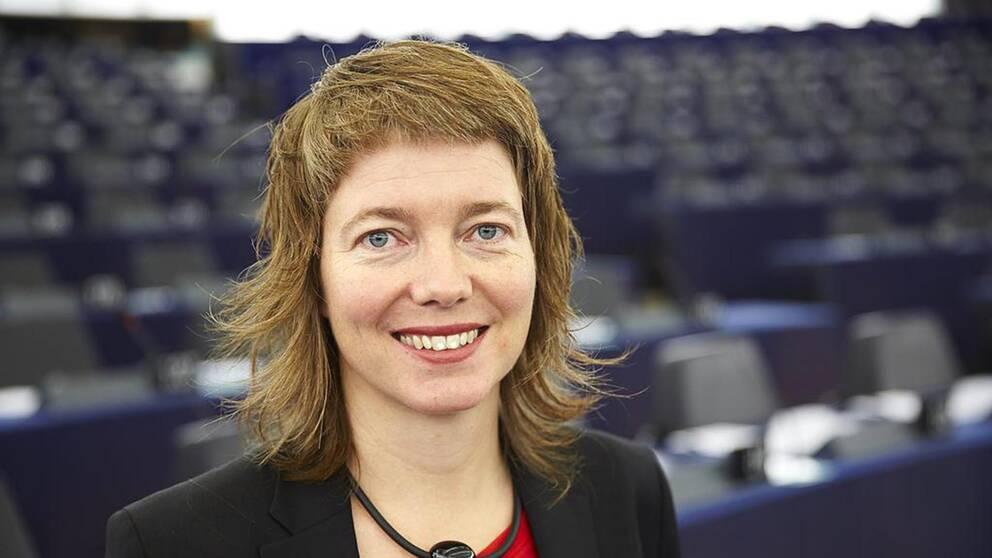 Europaparlamentarikern Malin Björk (V) anser att EU är dåligt rustat att försvara sina spelregler.
