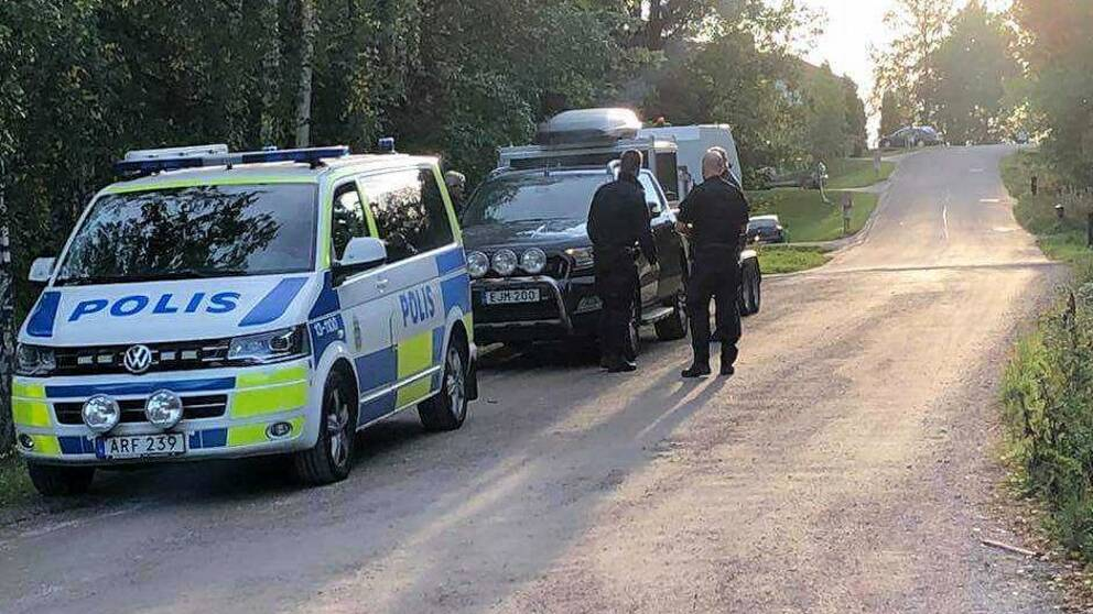 Polis på plats efter larm om misstänkt farligt föremål i Svartvik