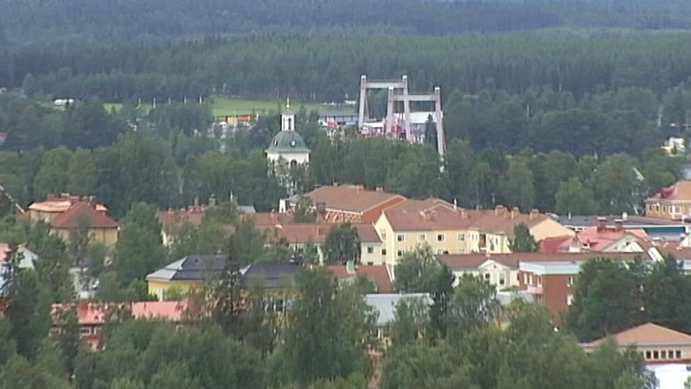 vy oavnifrån över Strömsund och skogen