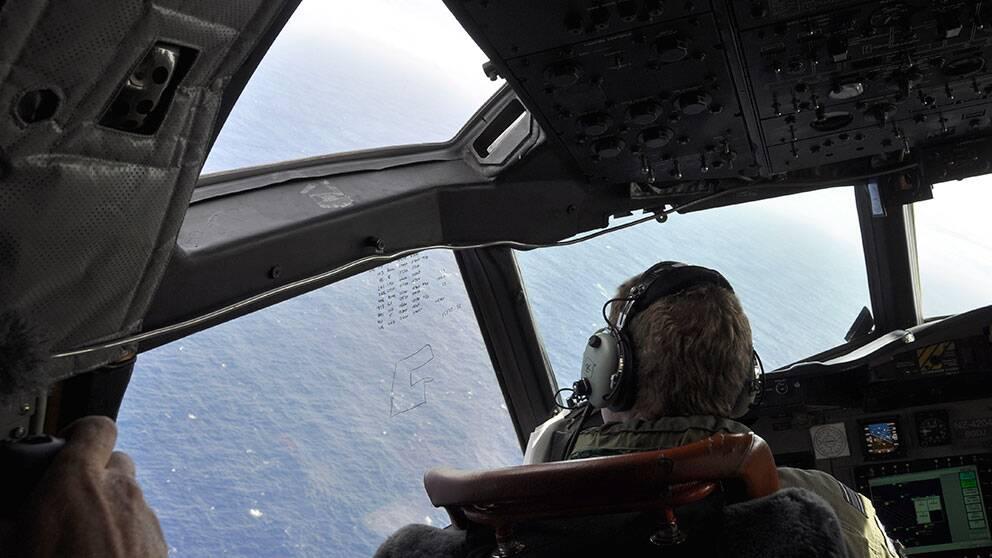 Sökandet efter det det försvunna Malaysia Airlines planet MH370 fortsätter