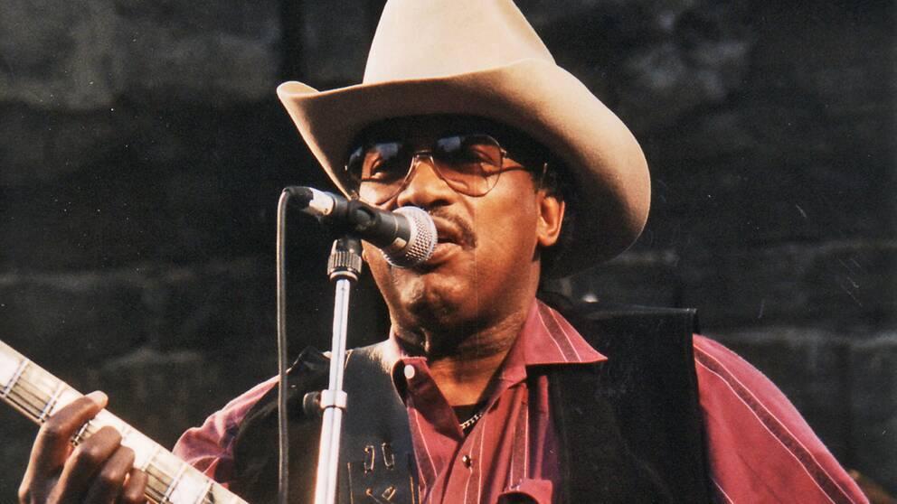 Otis Rush på scen under Notoddens Bluesfestival i Norge, 1997.