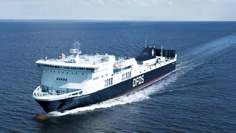 Arkivfoto på DFDS-färjan Regina Seaways, som fastnade 135 kilometer utanför Kaliningrad på Östersjön efter ett motorhaveri under tisdagen.