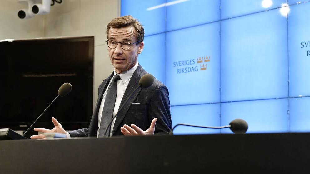 Moderaternas partiledare Ulf Kristersson (M) under pressträffen i riksdagen presscenter efter att ha träffat talmannen.