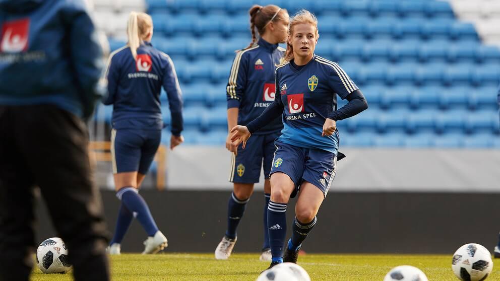 Anna Anvegård under onsdagens träning inför torsdagens landskamp mellan Sverige och Norge på Olympia.