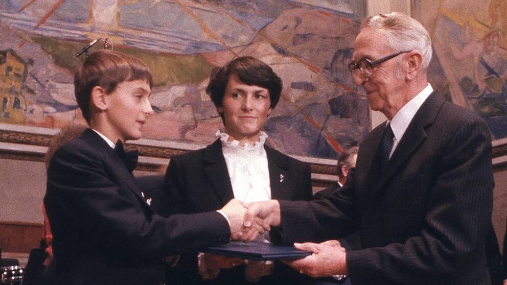 Lech Walesas son Bogdan och fru Danuta tog emot fredspriset i Oslo 1983.