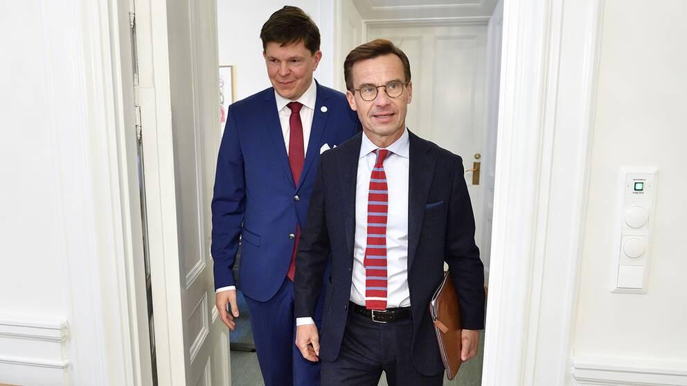 Talman Andreas Norlén och Moderaternas partiledare Ulf Kristersson i riksdagen.