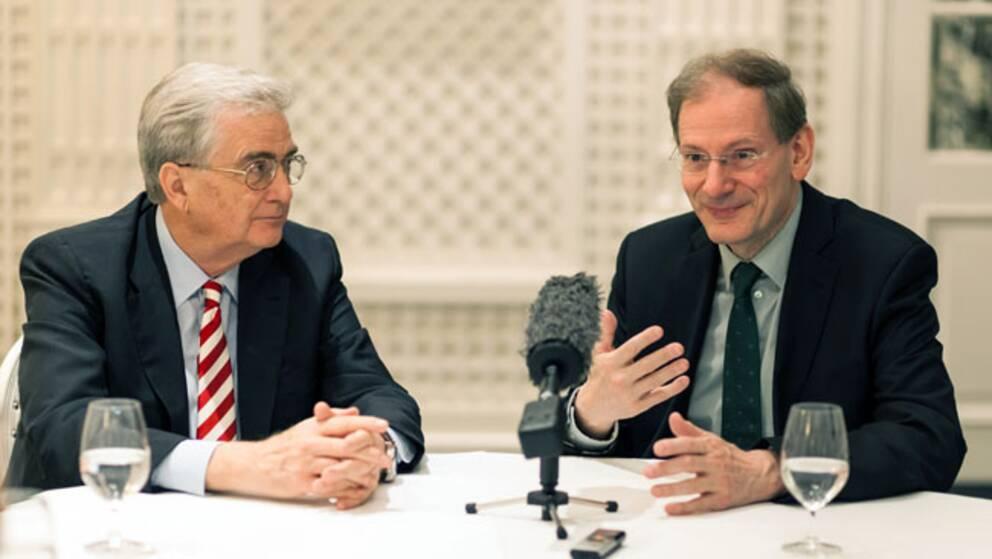 Ordförande i Wienfilharmonikerna Clemens Hellberg (till höger) sitter bredvid Rutbert Reisch, ordförande i Birgit Nilsson Foundation.