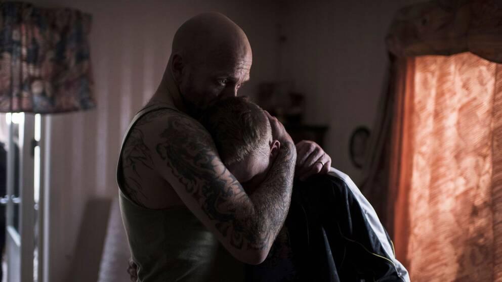 I filmen Goliat förväntas sonen ta över de kriminella affärerna när pappan ska avtjäna ett fängelsestraff.