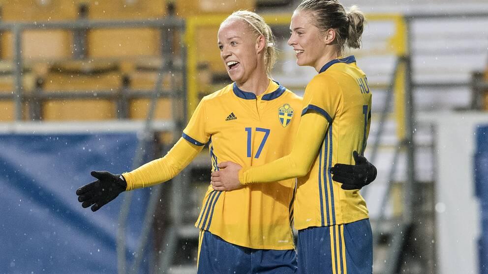 Caroline Seger och Lina Hurtig.