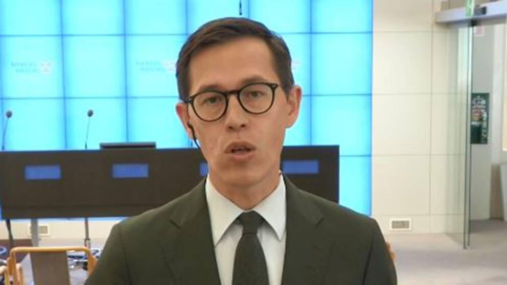 SVT:s politikreporter Love Benigh kommenterar det politiska läget.
