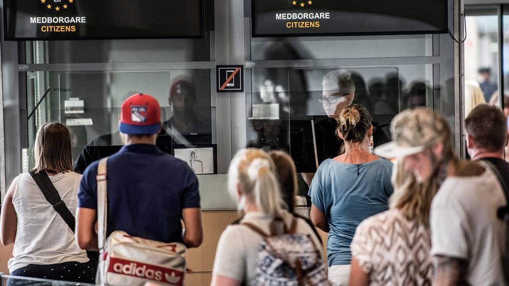 Passkontroll på Arlanda