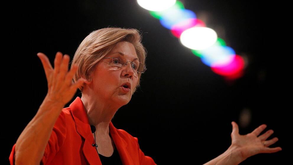 Elizabeth Warren, senator från Massachusetts, får kritik för sitt försök att bevisa att hon tillhör USA:s urbefolkning.