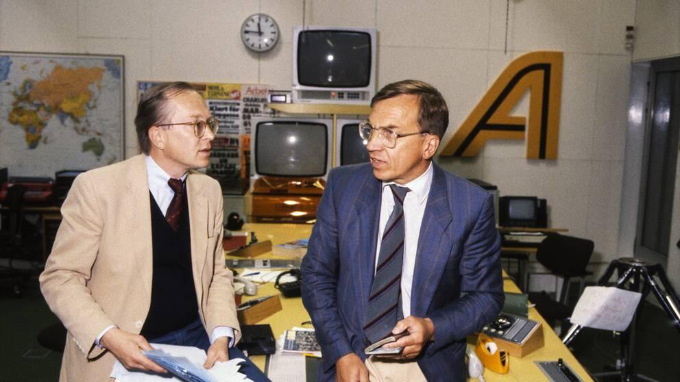 SVT-journalistern på Aktuellt-redaktionen. Lennart Winblad till vänster och Åke Ortmark till höger.