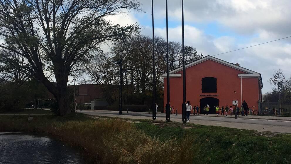 Kommendanthuset, mittemot Malmöhus slott, har fått stänga sin verksamhet.