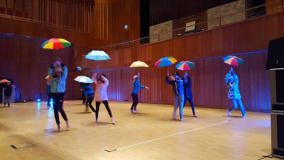 Alla barn borde få ha dans på skolschemat. Det tycker danslärarstudenter i Piteå.