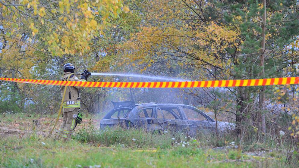 Polis avlossade skott mot flyktbil 3