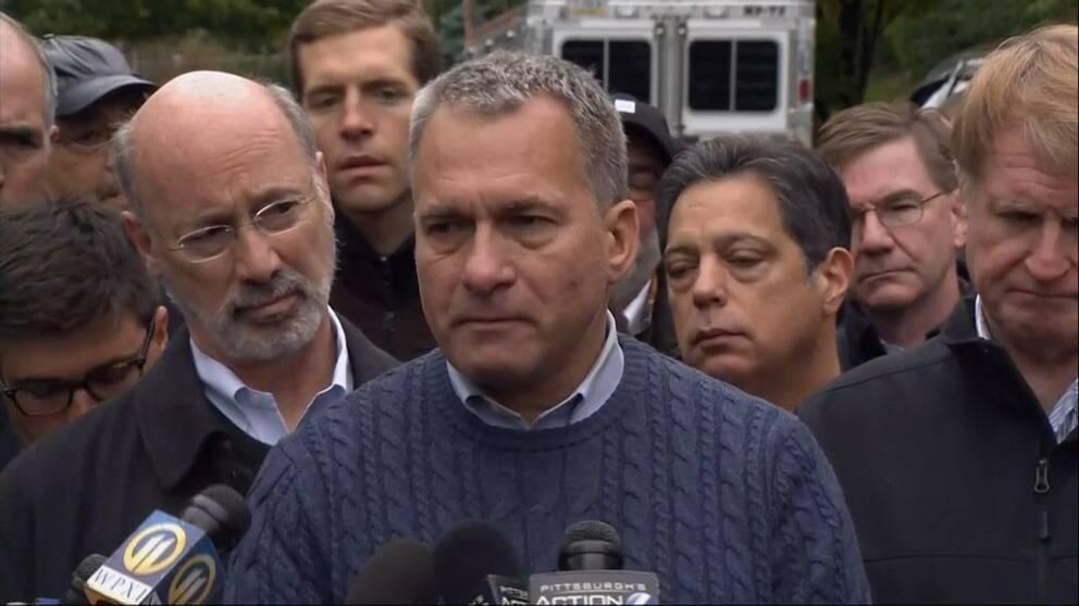 Pittsburghs säkerhetschef Wendell Hissrich vid en presskonferens.
