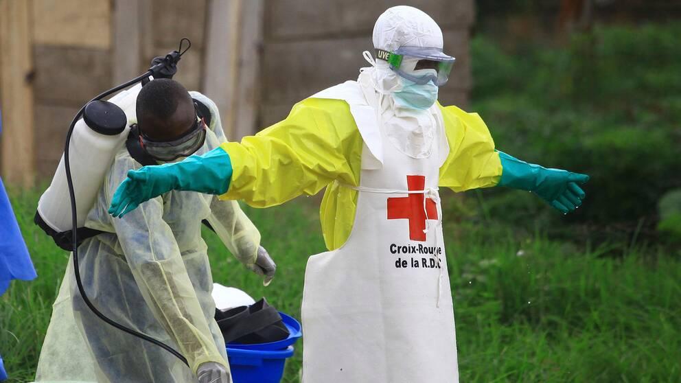Sjukvårdspersonal vid en anläggning för ebolasjuka i Beni i östra Kongo-Kinshasa, tidigare i höst.