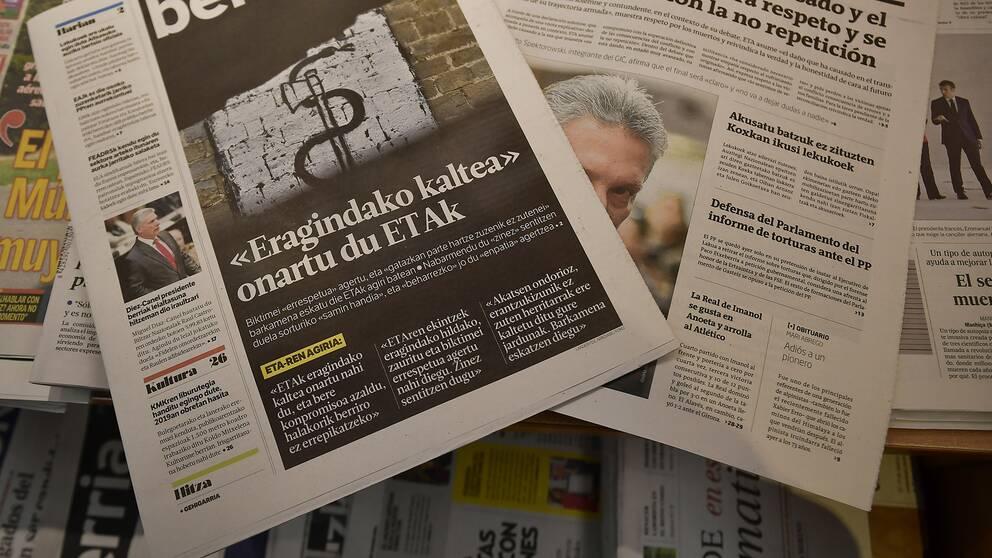Tidningar.