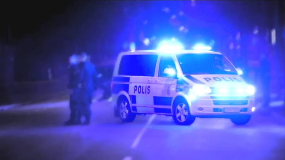 12313aaad433 Hade stulna bilar på lastbilsflaket – åtalas i Jönköpings tingsrätt   SVT  Nyheter