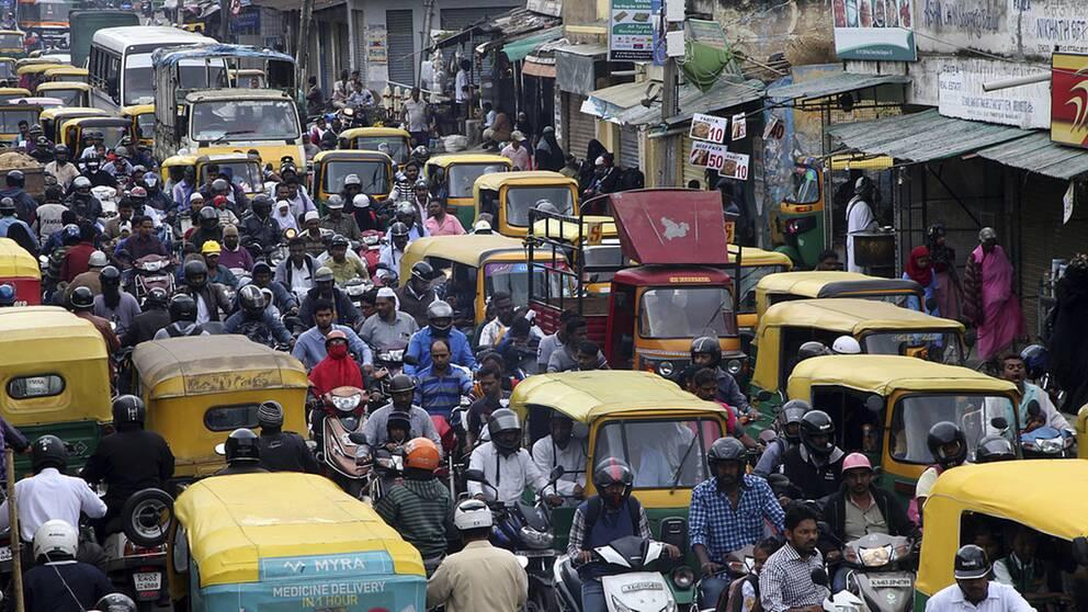 I Bangalore i Indien hoppas man nu få hjälp av japansk teknologi för att lösa problem med köer och trafikstockningar.