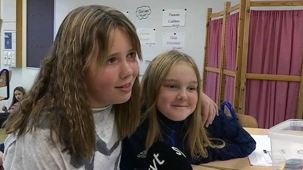 Sara Björklund och Antonia Nilsson i 5C på Holmenskolan i Torsby