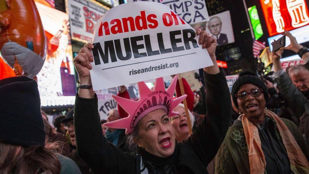 Tusentals runt om i USA deltog i protester efter att Jeff Sessions ersatts av Matthew Whitaker.