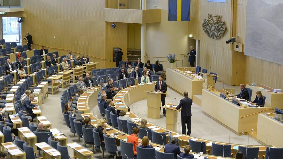 Plenisalen under partiledardebatten i riksdagen i Stockholm.
