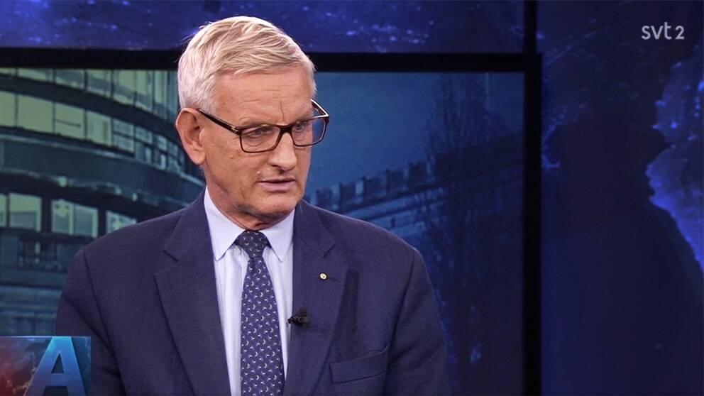 Tidigare utrikesministern Carl Bildt (M) medverkade i SVT:s Aktuellt under måndagskvällen.