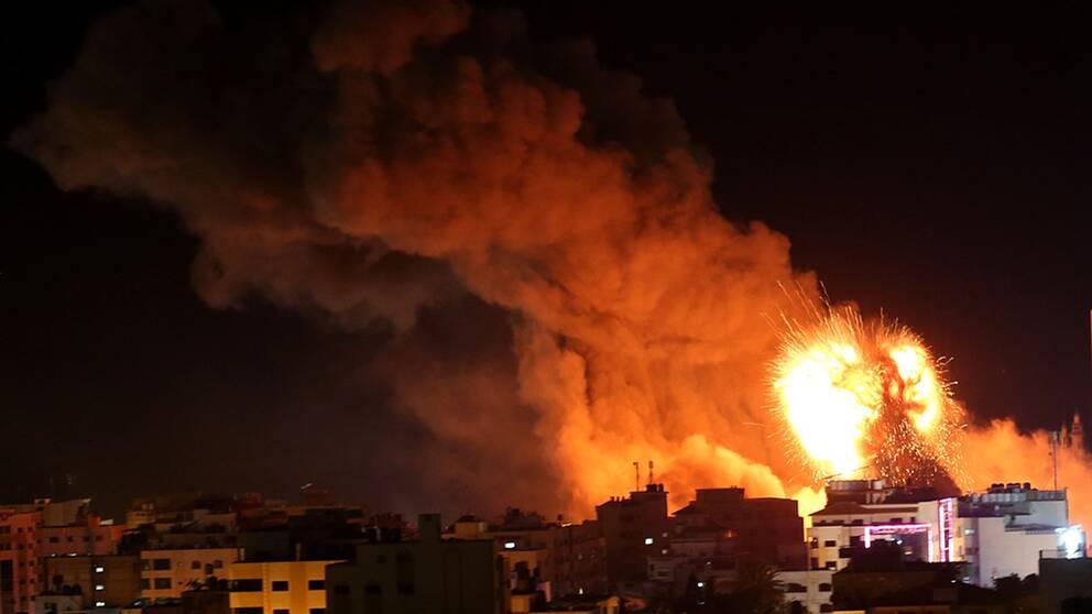 Israel hotar svensk gazahjalp