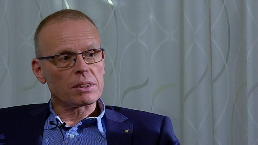 Porträttbild på Magnus Johansson.