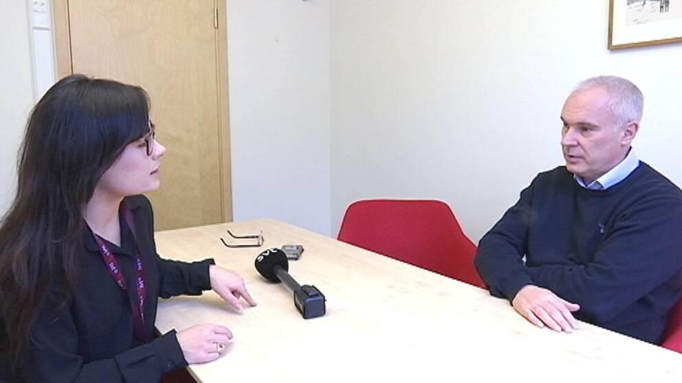 bild på reporter och niklas lindberg