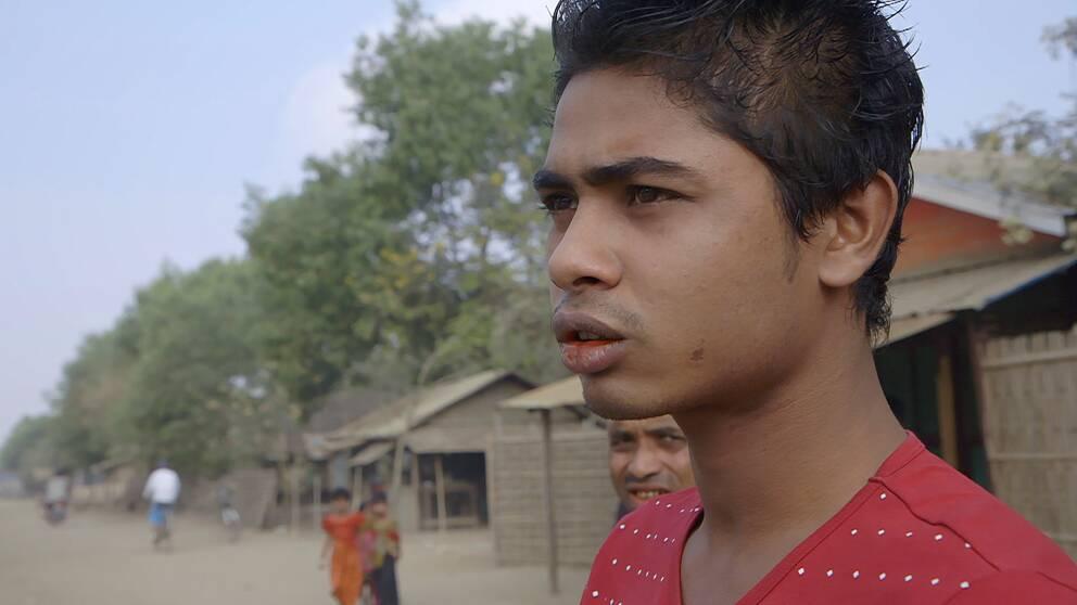 Brights Islam tillhör Burmas muslimska minoritet rohingya, och är instängd tillsammans med tusentals andra i ett flyktingläger.