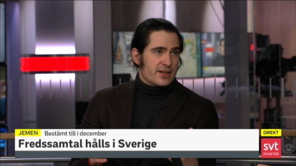 Reporter Carl Fridh Kleberg i studion.