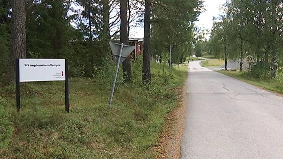 Flicka på Vemyra ungdomshem i Sollefteå misshandlades svårt av andra ungdomar på hemmet,