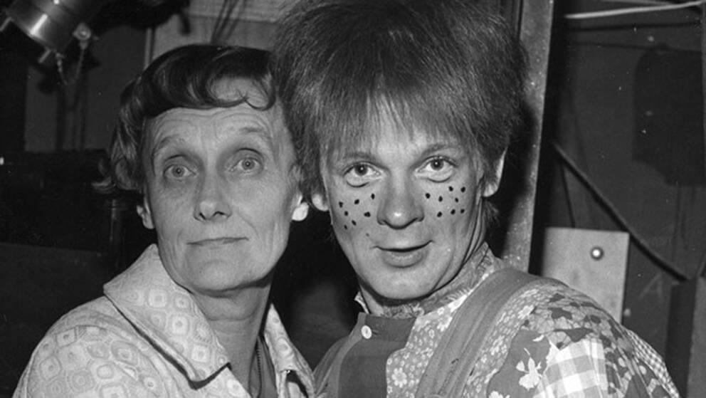 Astrid Lindgren tillsammans med Börje Ahlstedt som Karlsson på taket 1970.