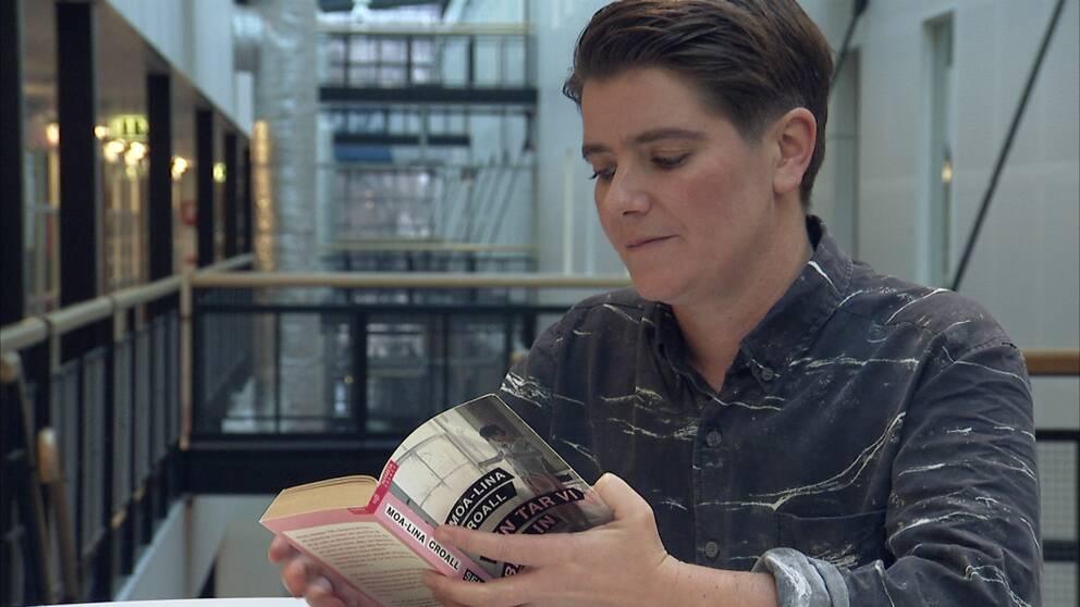 Författaren Moa-Lina Olbers Croall nominerades tre år i rad, och vann Lilla Augustpriset 2002. Det blev startskottet på en karriär som författare.
