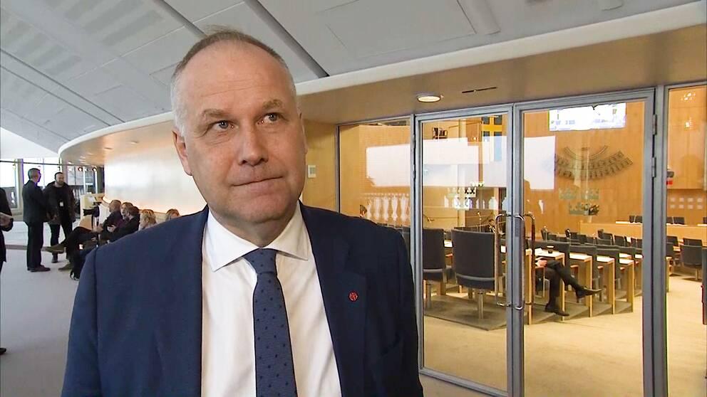 Jonas Sjöstedt (V) har sina krav för att släppa fram Stefan Löfven (S) som statsminister.